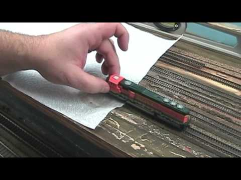 Model Railroad Quick Tip: Cleaning wheels on a Locomotive