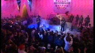 Supergrass live on The White Room