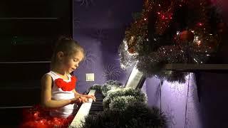 «Снежинка» Из к/ф 'Чародеи' поет и играет Ледянкина Элина