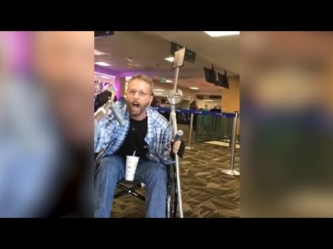 Thumbnail: Man yells at stranger for speaking Spanish