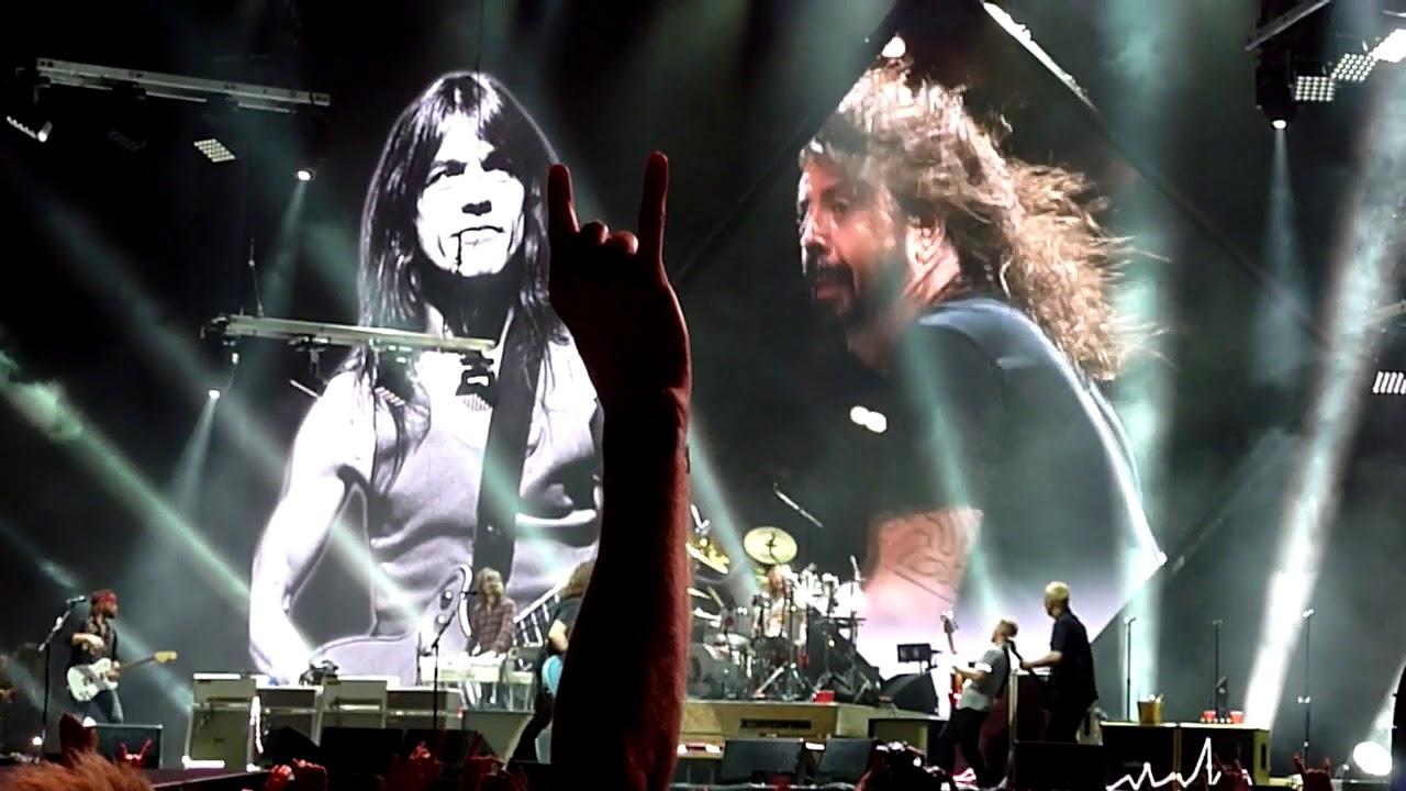 Foo Fighters Sydney 2018 - Let...