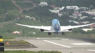 Crazy Steep St. Maarten 787 Dreamliner Takeoff