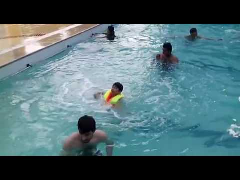 Abdullah khan swimming in the pool lahore youtube - Swimming pool in bahria town lahore ...