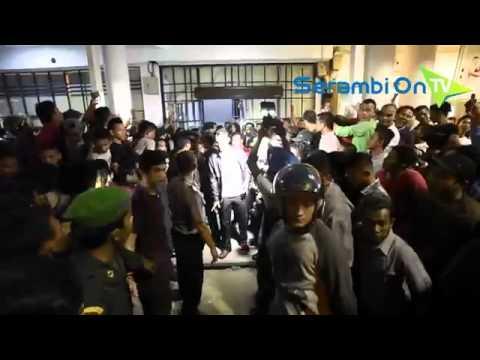 Video Amatir Penggrebekan Karaoke Simpang Lima Banda Aceh