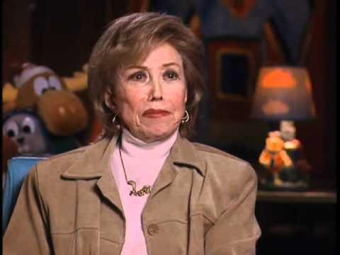 Voiceover legend June Foray on her first animation job - EMMYTVLEGENDS.ORG