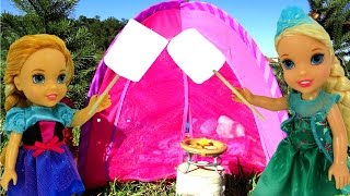 CAMPING ! ELSA & Anna Toddlers - Toy bear - Marshmallow - Tent- Picnic- Outdoors - Playing thumbnail