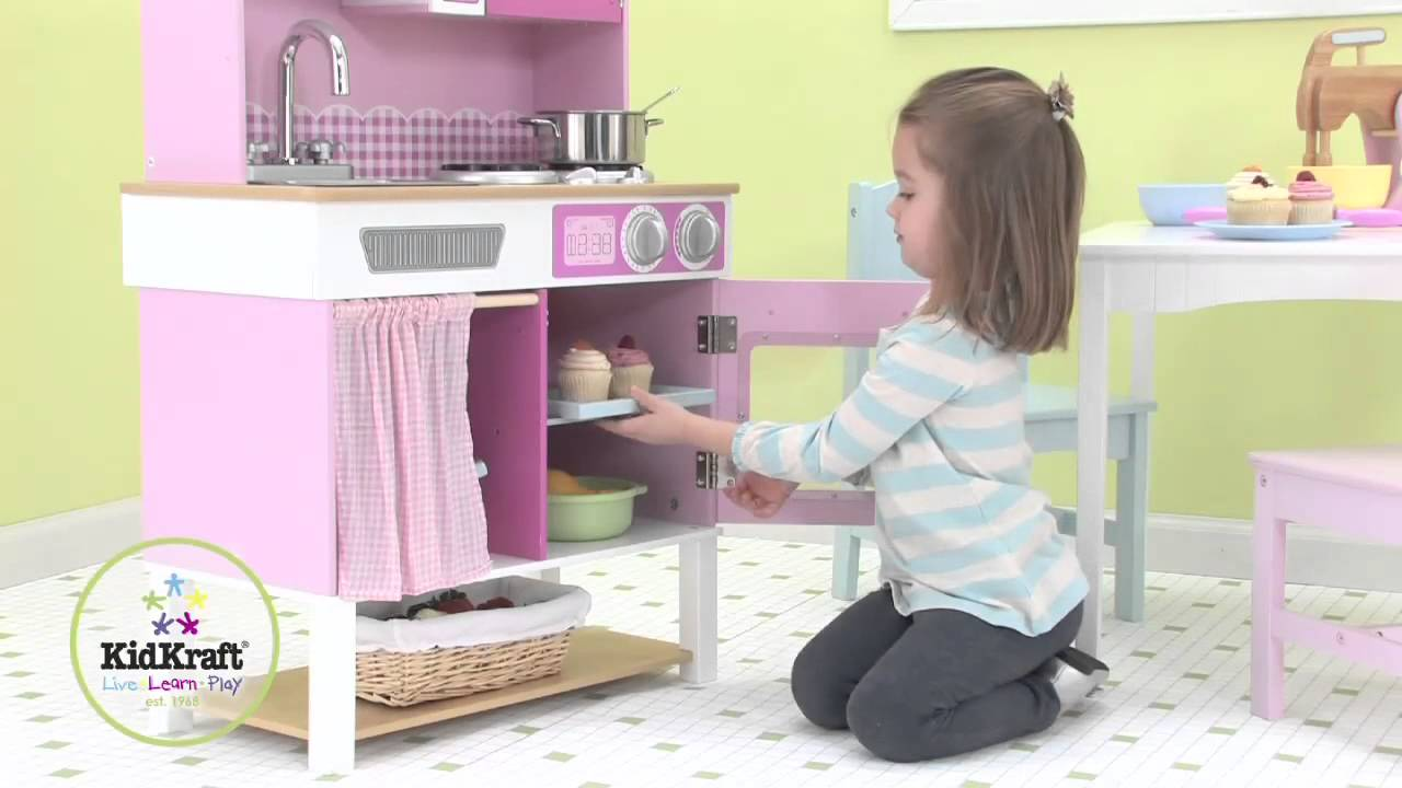 cuisine rose pour enfant en bois kidkraft youtube. Black Bedroom Furniture Sets. Home Design Ideas