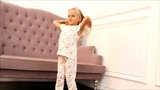 Пижама с кошечками для девочки (2810615) / Пижамы для девочек / КотМарКот