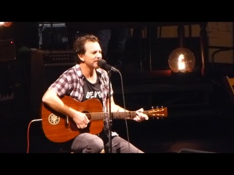 Pearl Jam 10-25-2013 Hartford Ct Full Show Multicam SBD Blu-Ray