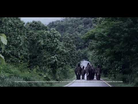 Bajaj makes fun of Royal Enfield in new Dominar 400 ad