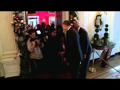 Steve Harvey & President Obama Surprise White House Tour Group!