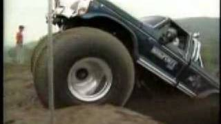 4x4 Monster Truck Hill Climb