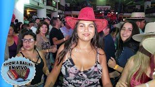 Bailando Picaitas en Los Padres de Las Rancheras Mix De Consagrados Con Ninoska y Vitoko Elranchero