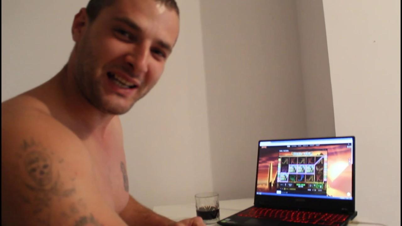 Joc la aparate pentru voi, online la cazino!