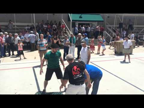 Basque Strongmen in Bakersfield - YouTube
