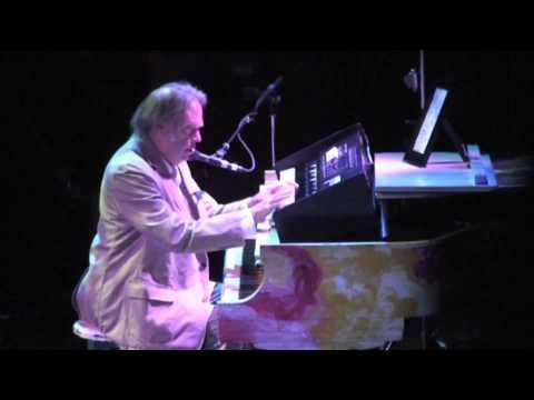 Neil Young - A Man Needs A Maid (LIVE) - Massey Hall, Toronto, Ontario