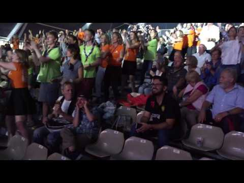 Earth, Wind & Fire Experience feat. Al McKay - September