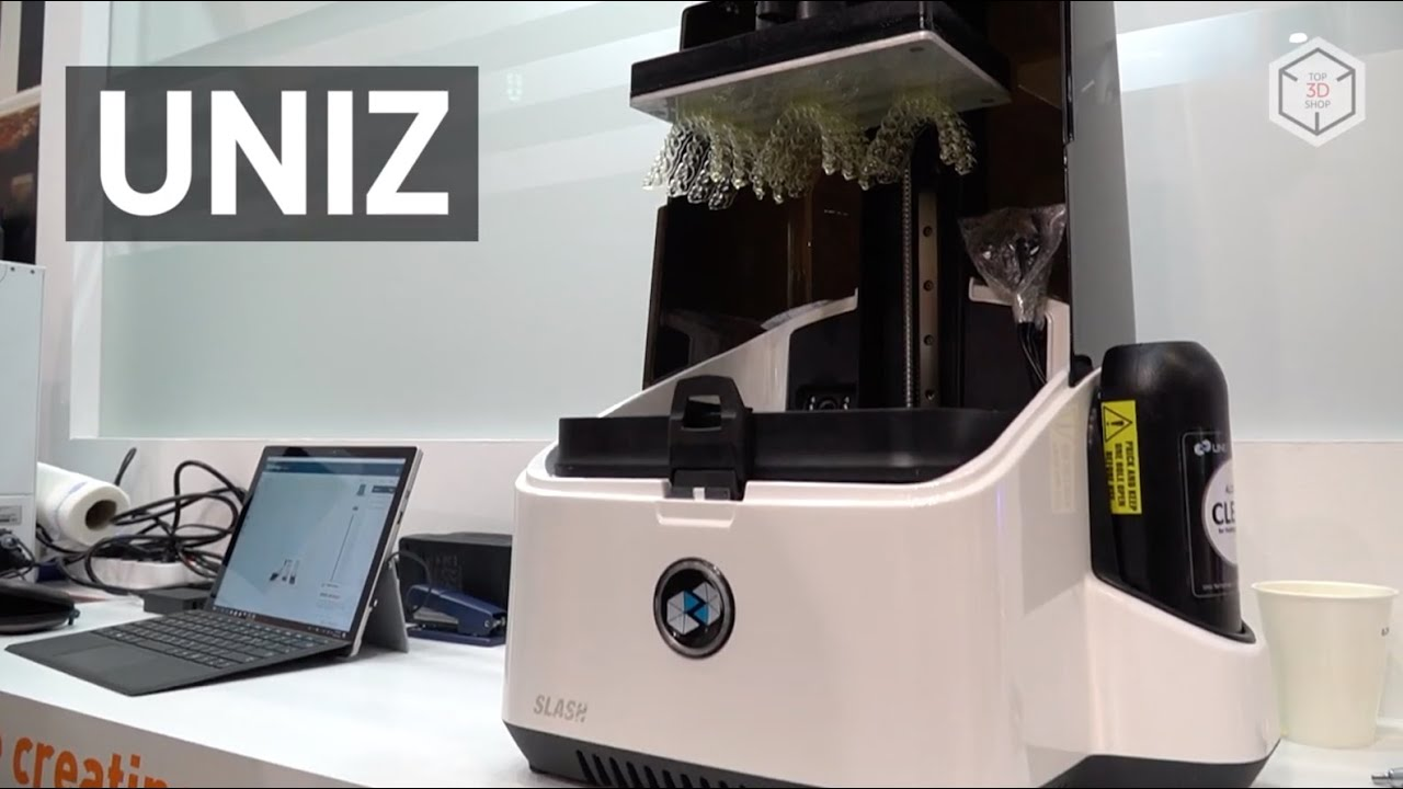 video UNIZ SLASH PLUS 3D Printer
