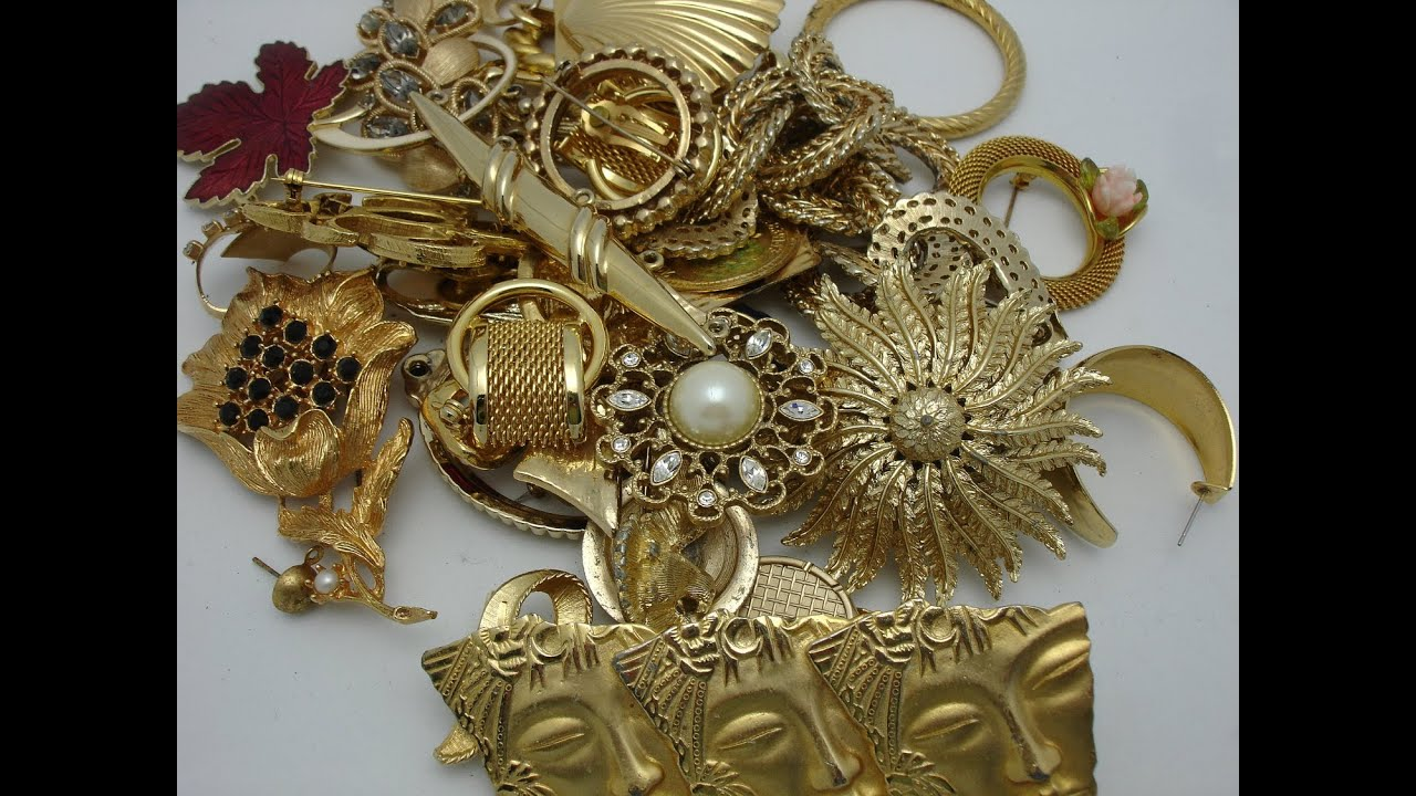 VINTAGE BROOCHES - YouTube