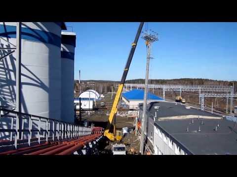 Работа автокрана 50 тонн - установка мачты
