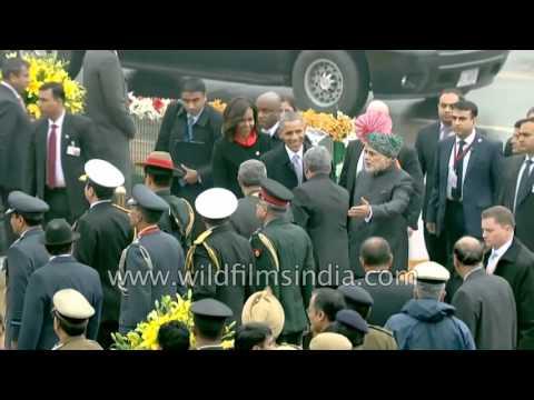 Narendra Modi welcomes Barack Obama at Republic Day celebrations in Delhi