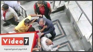 شاهد.. ماذا فعل الخطيب مع جماهير الأهلى بين شوطى المباراة