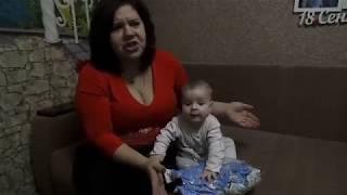 Примерка на малыша детской трикотажной одежды ТМ