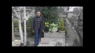 Tombe de Simone Signoret et Yves Montand au cimetière du Père Lachaise Video