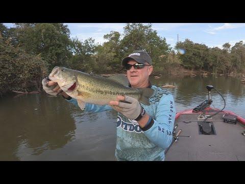 FOX Sports Outdoors SOUTHWEST #33 - 2015 Brazos River, Texas Bass Fishing