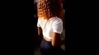 Mzansi Girls shake their bums