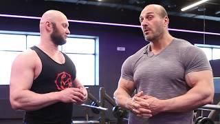 Как накачать грудные мышцы - советует Паата Петриашвили
