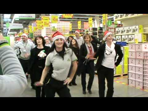 Flash mob leroy merlin bari santa caterina buon natale - Flash leroy merlin ...