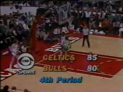 Larry Bird closes out the Bulls (1981 playoffs)