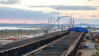 Бетонируют первую плиту Керченского моста