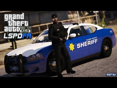 GTA 5 LSPDFR - Day 124 | BSCO Sandy Shores Patrol | LSPDFR Stolen Vehicle Contains C4 and Guns!