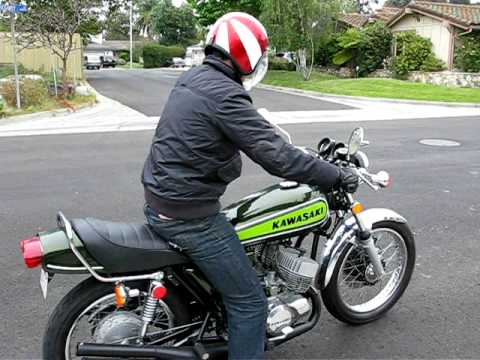Kawasaki H1 500 triple - YouTube