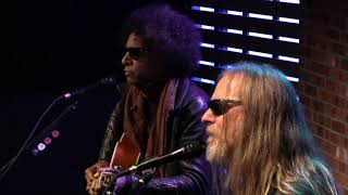Alice In Chains Voices Live In The Lounge