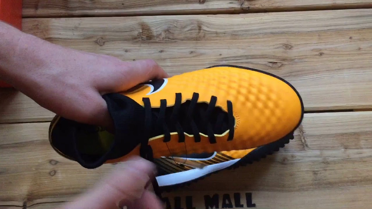 b256861e1321 Обзор сороконожек Nike Magista Onda II DF TF 917796-801 - YouTube