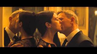 Spectre - James Bond salva a Sra. Lucia (Mónica Bellucci)