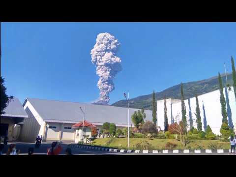 Mount Merapi erupts spewing volcanic ash (Indonesia)