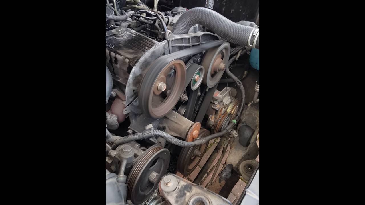 Mitsubishi L200 4D56 Engine Knock and Smoke - YouTube