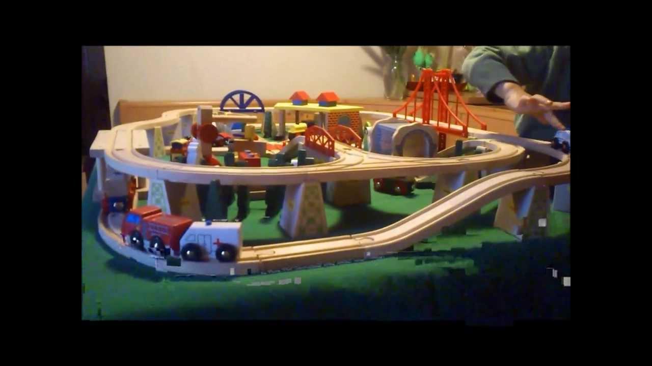 Trenino radiocomandato per treni in legno