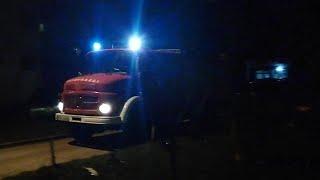 Mercedes Benz fire truck  responding at windy night /// Vatrogasci Bihać noćna intervencija #2