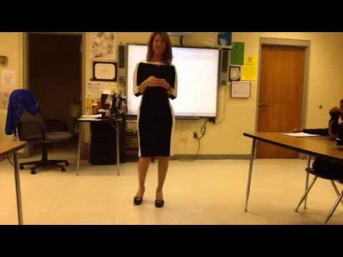 Elizabeth Gardner speaks with AVID students