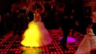 Лезгинка на дагестанской свадьбе  невеста разошлась в танце