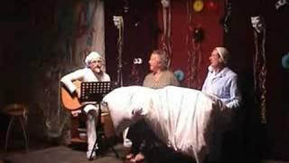 """Männerchor Goldrain Faschingsrevue 2006 """"Im Bett"""""""