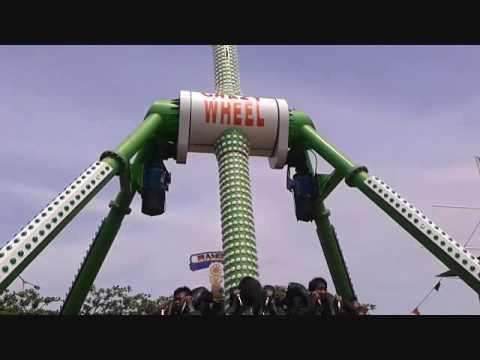 Naik Mobil Gila CrazY Car Di WBL Wisata BaharI Lamongan