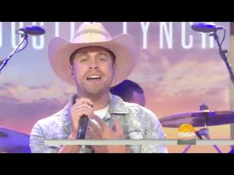 See country star Dustin Lynch perform 'Small Town Boy' live