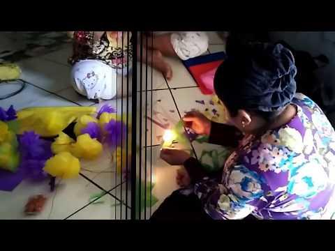 Cara Mudah Membuat dan Merangkai Bunga Bahan Plastik   kresek Bekas -  Ржачные видео приколы 698ec06de8