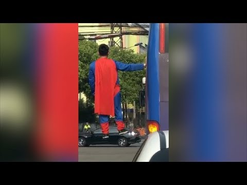 """""""Superman"""" takes a spin in China's Suzhou City"""